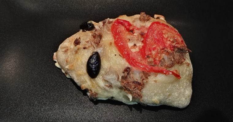 J'ai testé pour vous : la mini pizza au thon – Boulangerie Les Délices de la gare – Pontoise