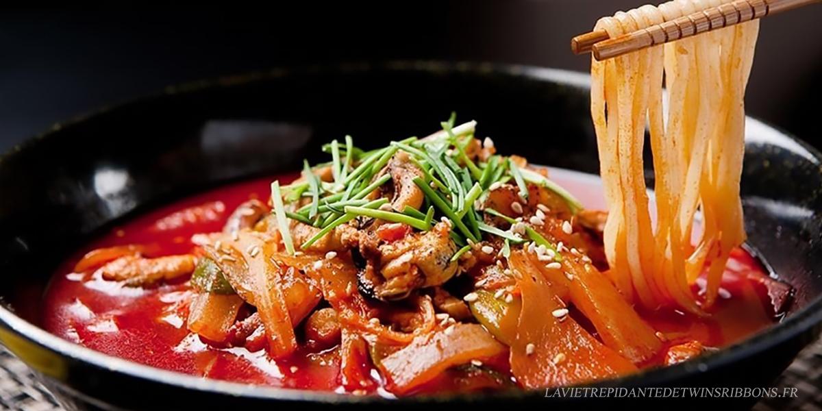 soupe de nouilles aux fruits de mer épicée coréenne – Jjamppong – 짬뽕